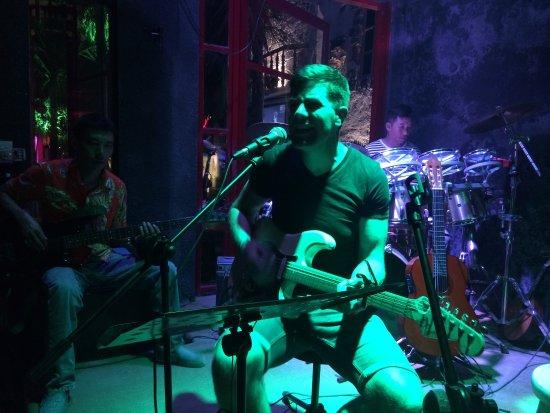 Funny night  - Foto van Guitar Hawaii Hoi An Live Music Bar, Hoi An