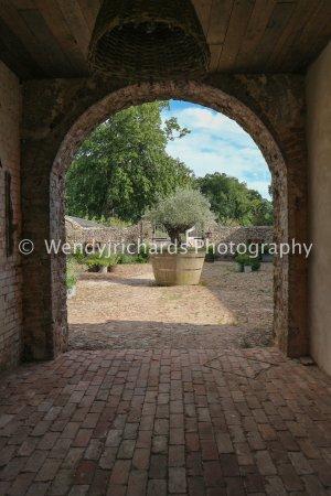 Gittisham, UK: View to the courtyard