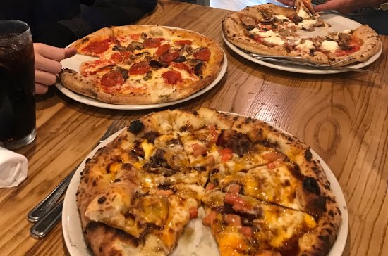 O'Fallon, อิลลินอยส์: Peel's wood fired pizzas