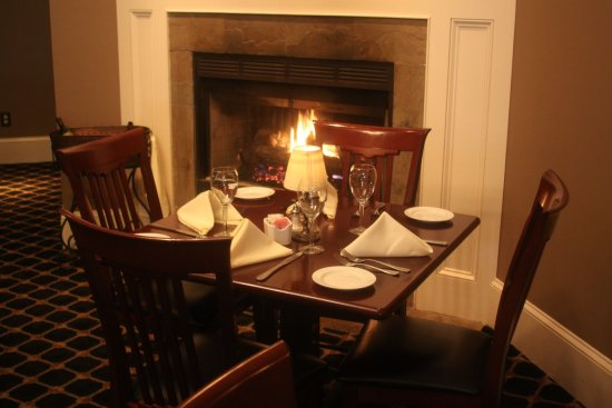 Haddon Heights, Nueva Jersey: Main Dinning Room & Fireplace