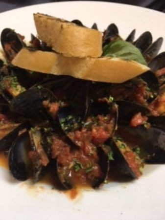 Haddon Heights, Nueva Jersey: Mussels Red Appetizer
