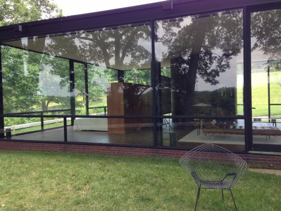 View Of Philip Johnson S Glass House Seen From The Back Picture