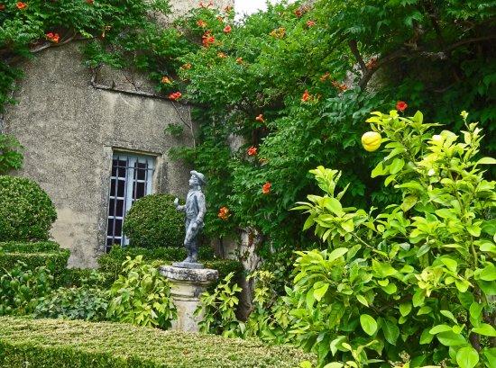 Ansouis, فرنسا: Le jardin suspendu et l'Ermitage
