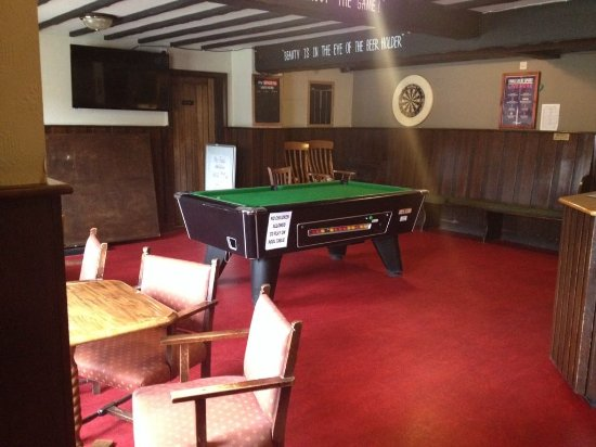 Hatfield, UK: Sports bar with pool table, darts boards, Sky tv and BT sport