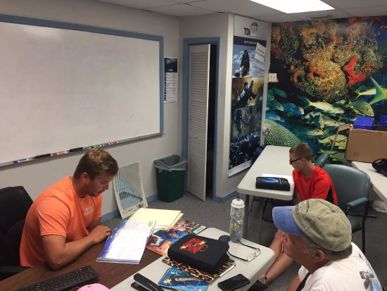 Tavernier, FL: Working through our knowledge reviews and finishing up the paperwork