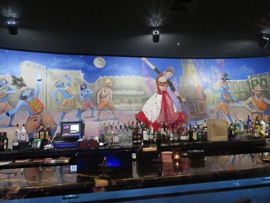 Monmouth Junction, NJ: The pretty mural behind the Bar