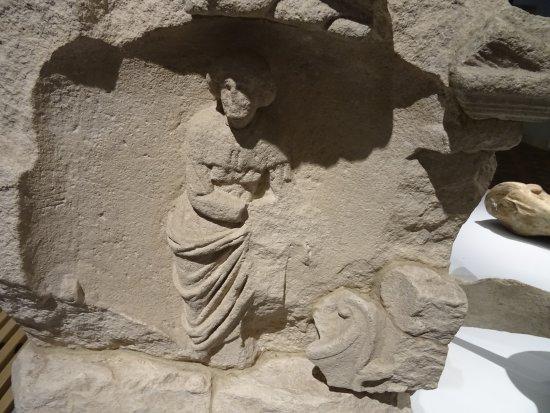 Ervarium Tours: fragment ROMEINSE NEHALENNIA TEMPEL DOMBURG-ervarium history tour