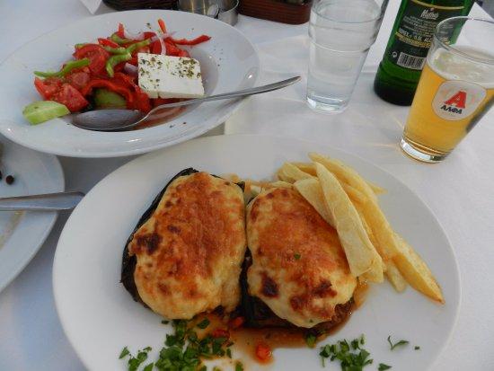 Pixida Restaurant: Delicious papoutsakia