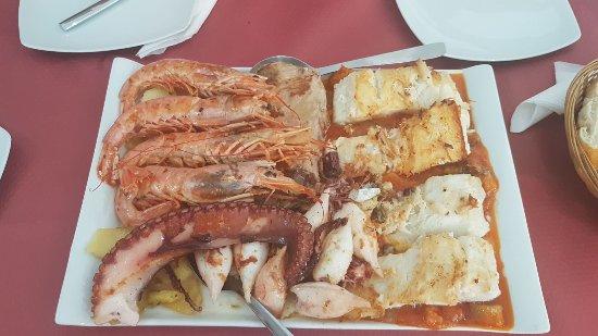 Villafranca de los Barros, Spain: Parrillada de pescado y marisco!!!