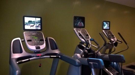 Hilton Garden Inn Hanoi: gym