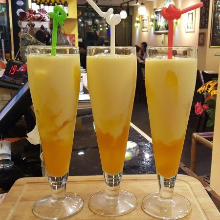 Chilliesine Indian Restaurant - CunZhong Store: Mango Lassi@ 淇里思印度美食餐廳 Chillies Indian Restaurant Taichung 0423770007 , 0422517111