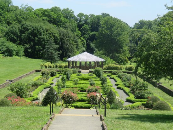 Middletown, NJ: The Parterre or Rose Garden