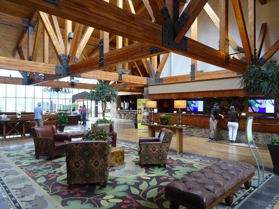 Cheyenne Mountain Resort: The Lobby area -