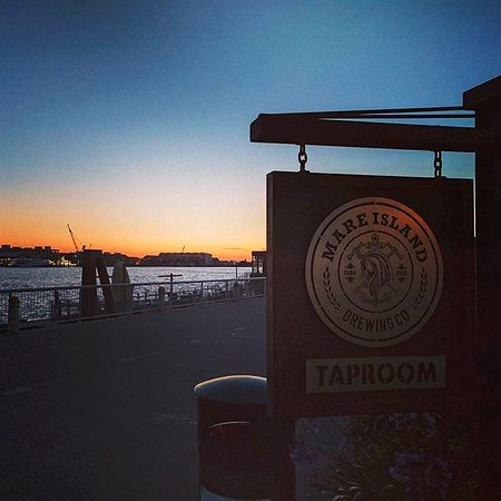 Vallejo, CA: Waterfront just outside the taproom