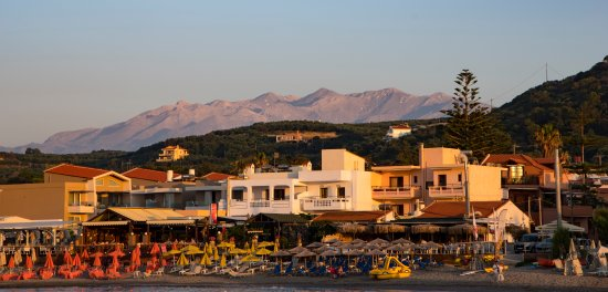 Porto Platanias Beach Resort & Spa: Looking from the harbour towards the beach front