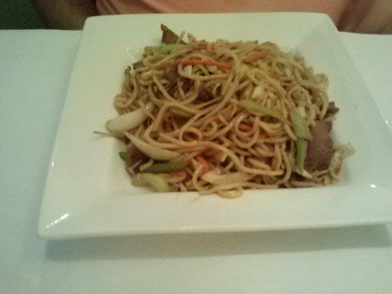 Jade Bistro: Roast Pork Lo Mein