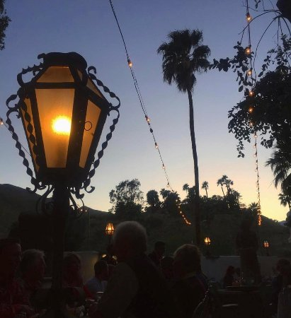 Rancho Mirage, Californien: sunset during dinner on the patio