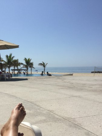 Barcelo Gran Faro Los Cabos: View from pool out to the beach