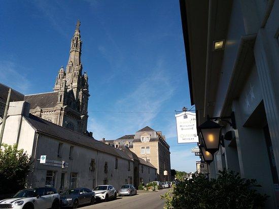 Sainte-Anne-d'Auray, França: L'Auberg'ine