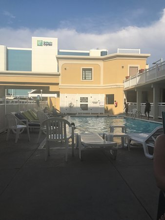 Clarion Inn & Suites Virginia Beach: photo0.jpg