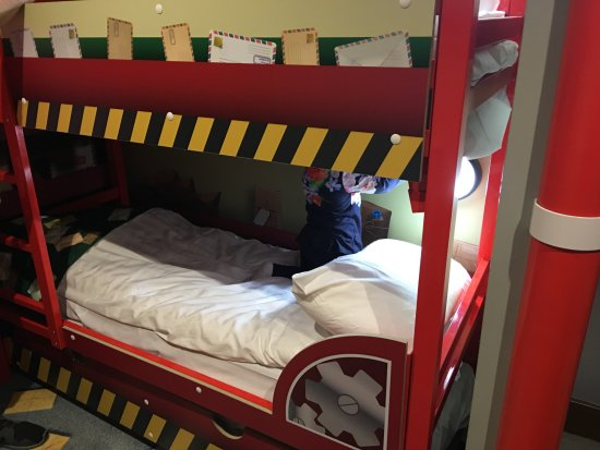Children S Bunk Bed Picture Of Cbeebies Land Hotel Alton