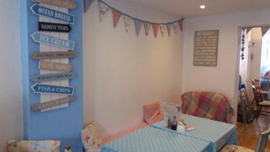 Rhos-on-Sea, UK: Lovely Dog Friendly Section