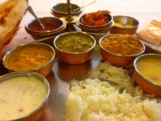 Chalfont, Pensilvania: chutneys curries and safron rice