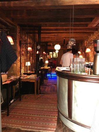 restaurant un coin en ville dans nantes avec cuisine. Black Bedroom Furniture Sets. Home Design Ideas