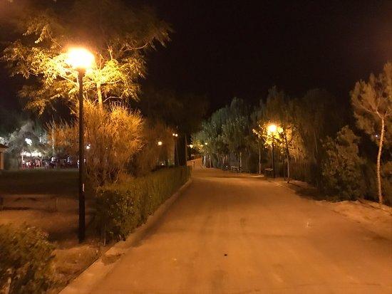 Atarfe, Spanien: Cuando Granada se cuece en Julio.....un lugar donde corre aire fresquito no tiene precio.....