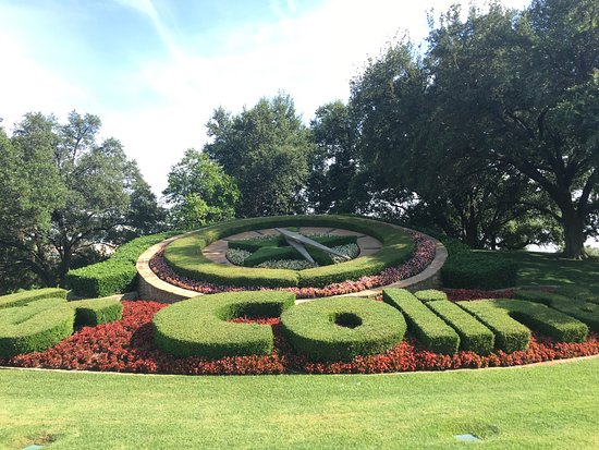 Irving, TX: Las Colinas Flower Clock