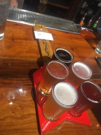 Cape Girardeau, MO: Excellent service and knowledge of beers.
