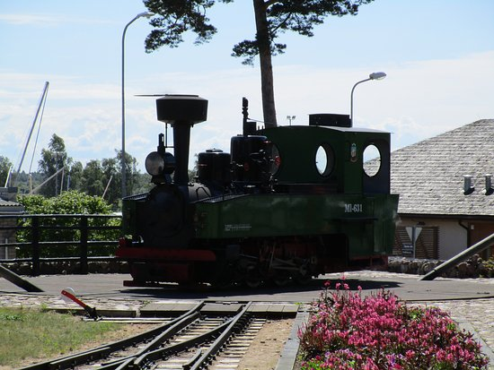 Ventspils, Letonia: The locomotive turns around and makes a round trip