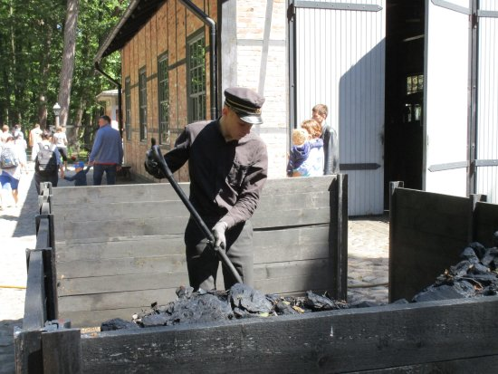 Ventspils, Letonia: A real steam locomotive runs on real coal