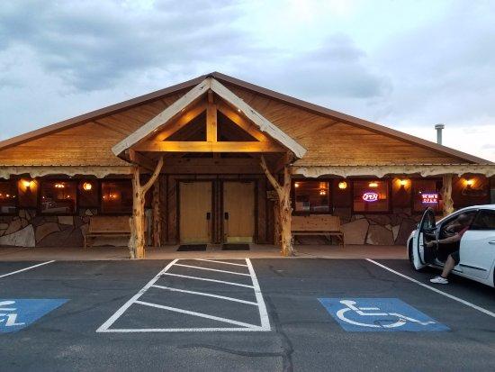 Fredonia, AZ: Front of restaurant