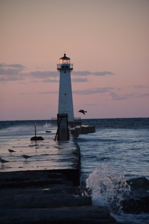 Sodus Point Beach Park: Sodus Point Beach Lighthouse