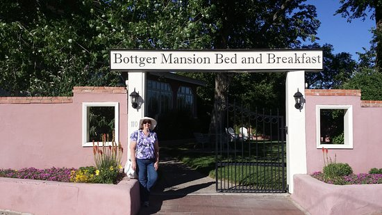 Bottger Mansion of Old Town: New Mexico Charm