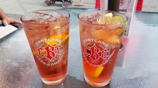Cortland, Νέα Υόρκη: They now serve fabulous Sangria!!
