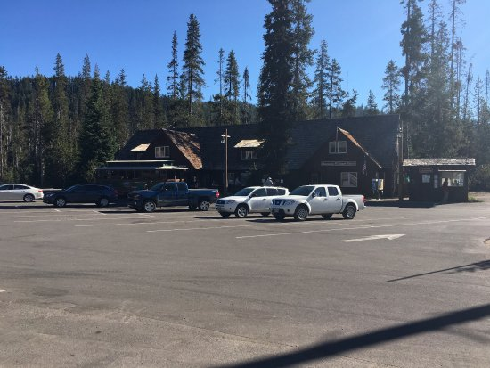 Mazama Village Motor Inn: photo1.jpg