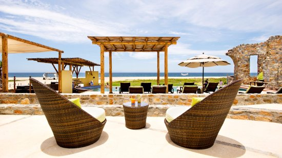 Guaycura Boutique Hotel Beach Club & Spa: Beach Club & Spa with zero carbon footprint pool