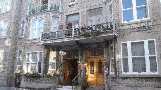 Hotel la Maison Demers: Frente do hotel