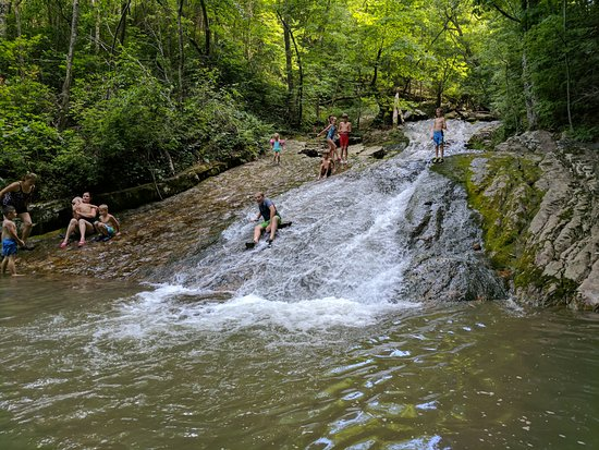 Eagle Rock, VA: Fun sliding into the pool