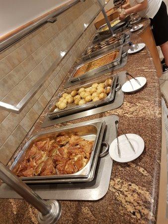 Kibbutz Lavi Hotel: Café da manhã
