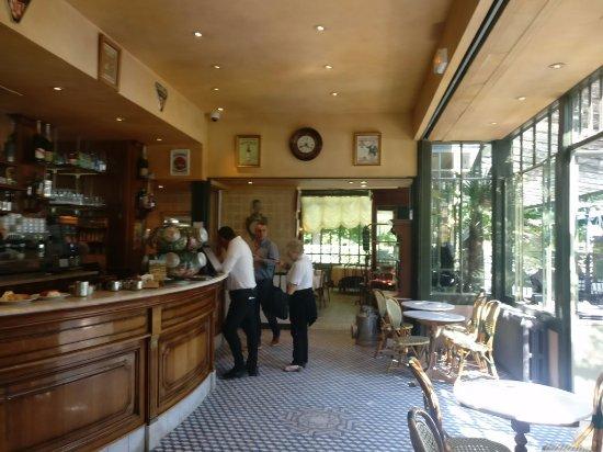 Restaurant La Flotille Chateau De Versailles