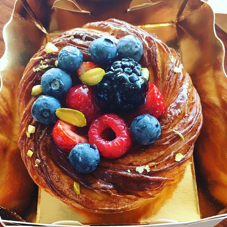 Scarborough, Australia: Mixed berry danish