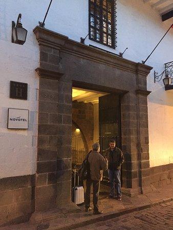 Novotel Cusco: fachada
