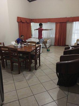 Cayman Suites: photo0.jpg