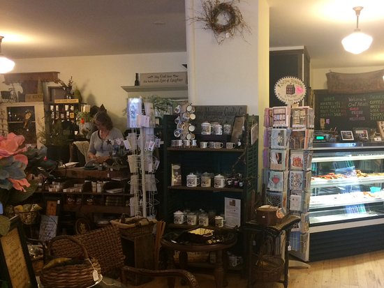 Fitzwilliam, NH: Gifts & antiques