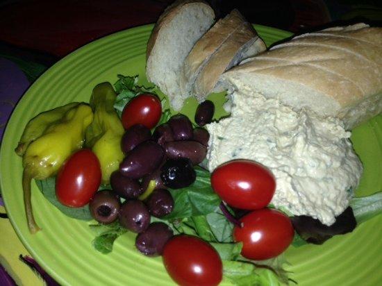 Hallowell, ME: Hummous Platter