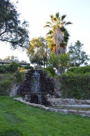 Ojai, CA: Waterfall garden