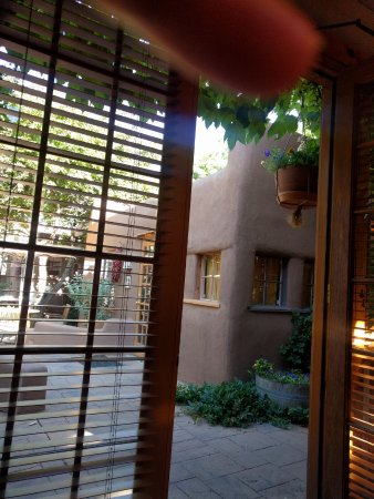 Inn on the Alameda: Lovely patio